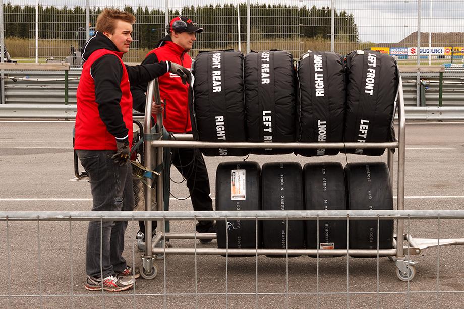 Tyre heaters