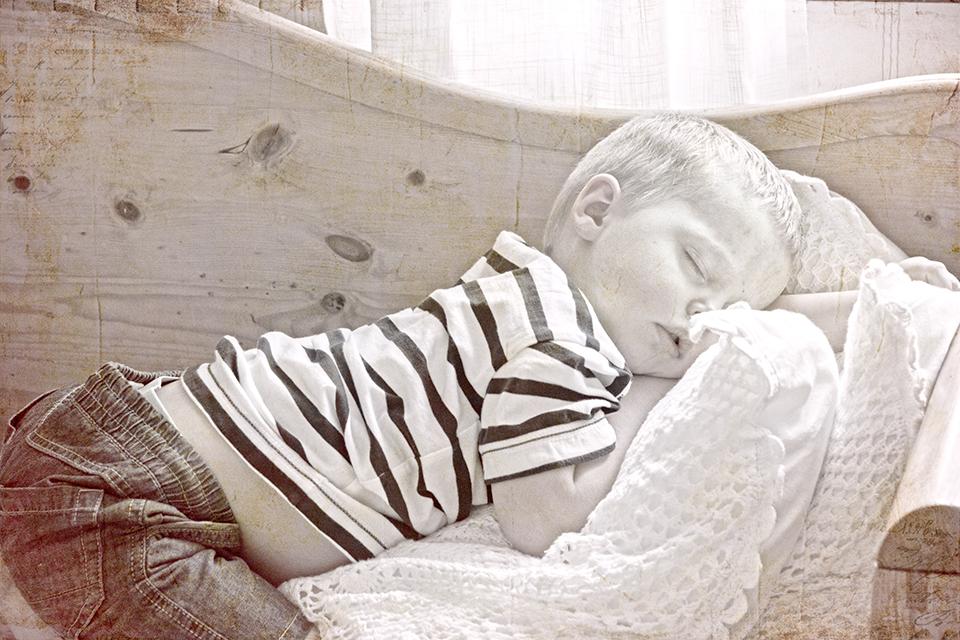 A sleepy prince Isak