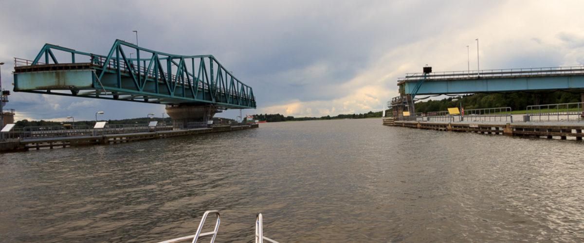 Open bridge at Hjulsta